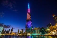 DUBAI FÖRENADE ARABEMIRATEN - 05 Januari, 2018: Burj Khalifa torn Denna skyskrapa är den mest högväxta konstgjorda strukturen Royaltyfri Bild