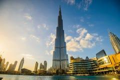 DUBAI FÖRENADE ARABEMIRATEN - 05 Januari, 2018: Burj Khalifa torn Denna skyskrapa är den mest högväxta konstgjorda strukturen Royaltyfri Foto