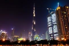 DUBAI FÖRENADE ARABEMIRATEN - OKTOBER 18, 2017: Den Dubai natten scen Arkivfoto