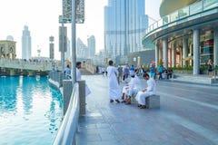 Dubai Förenade Arabemiraten, 15 11 2015 soliga dag i stads- stad, Arkivbild