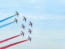 Dubai-Flugschau-akrobatische Bildschirmanzeige Stockfotografie