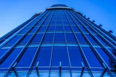 Dubai Highrise botten upp sikt arkivfoton