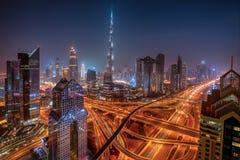 Dubai horisont under soluppg?ng, F?renade Arabemiraten arkivbild