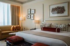dubai Im Sommer von 2016 Moderne und helle Innenmarmordekoration im Hotel St. Regis Abu Dhabi Corniche Stockbild
