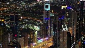 Dubai im Stadtzentrum gelegen nachts, Vereinigte Arabische Emirate stock video footage