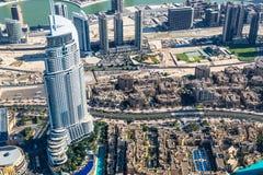 Dubai im Stadtzentrum gelegen. Ost, Vereinigte Arabische Emirate-Architektur. Von der Luft Lizenzfreies Stockbild
