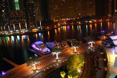 Dubai-Jachthafen nachts Stockbilder