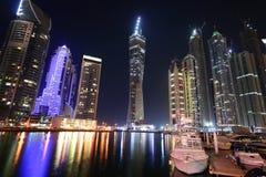 Dubai-Jachthafen nachts, United Arab Emirates Stockfotos