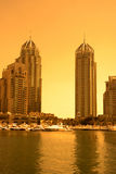 Dubai-Jachthafen während des Sonnenuntergangs Lizenzfreies Stockbild