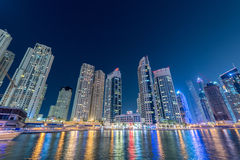 Dubai - 10. Januar 2015: Jachthafenbezirk an Lizenzfreies Stockbild