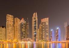 Dubai - 10. Januar 2015: Jachthafenbezirk an Stockbilder