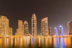 Dubai - JANUARI 10, 2015: Marinaområde på Januari 10 i UAE, Dubai Marinaområdet är populärt bostadsområde in Royaltyfri Foto