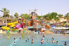DUBAI-JUNE 6 :6月6,2009的狂放的旱谷水公园在迪拜。 免版税图库摄影