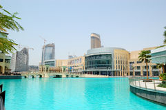 The Dubai Mall and man-made lake Royalty Free Stock Photography