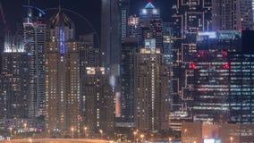 Dubai marinaskyskrapor nära golfbananatttimelapse, Dubai, Förenade Arabemiraten arkivfilmer