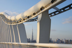Dubai-moderne Brücke Stockfotos