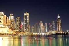 Dubai natt Fotografering för Bildbyråer