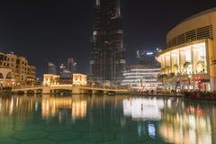 Dubai natt en Arkivbild