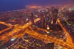 Dubai nattskylin Royaltyfri Bild
