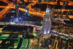 Dubai på natten i Förenade Arabemiraten Arkivfoton