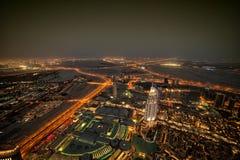 Dubai på nigth Arkivfoton