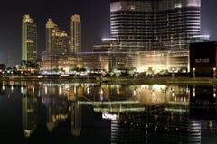 Dubai por noche Imagenes de archivo