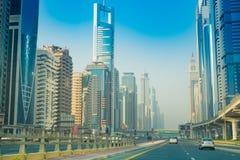 Dubai Sheikh Zayed Road - gatasikt 15 09 Tomasz Ganclerz 2017 Royaltyfri Fotografi