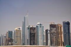 Dubai skyskrapas horisont Arkivfoto