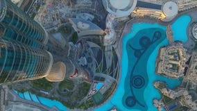 Dubai springbrunn som sett från Burj Khalifa, Dubai Förenade Arabemiraten materiel Bästa sikt av det dubai centret och dubai Arkivbild