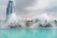 Dubai springbrunnar Fotografering för Bildbyråer