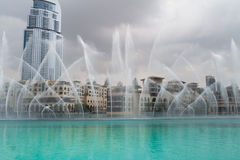 Dubai springbrunnar Arkivbild