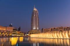 Dubai springbrunnshow på den Dubai gallerian Royaltyfria Bilder