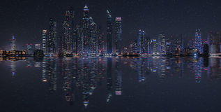 Dubai-Stadtreflexion stockfoto