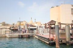 Dubai-Straßen-Ansicht Lizenzfreie Stockfotos