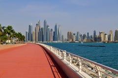Dubai UAE - April 8 2018 Den Dubai marina är ett berömd trendig område och marina Arkivbild