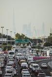 DUBAI, UAE - 18 DE ENERO DE 2017: Atasco en Dubai, árabe unido Imágenes de archivo libres de regalías
