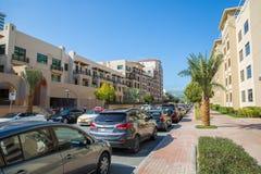 DUBAI, UAE 15 DE JANEIRO: Cidade ruas 15 de janeiro de 2014 em Dubai, U Imagens de Stock