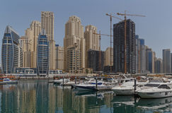 DUBAI, UAE - 12 DE MAIO DE 2016: yacht club Fotos de Stock