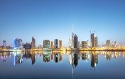 DUBAI, UAE - 29 DE MAYO: Burj Khalifa situado en el centro de la ciudad, Burj Khalifa, el 29 de mayo de 2015 en Dubai, une Imágenes de archivo libres de regalías