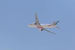 DUBAI, UAE - 16 DE MAYO DE 2016: aviones Imágenes de archivo libres de regalías