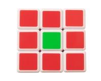 Dubai, UAE 16 de mayo de 2016: El cubo de Rubik en un fondo blanco Fotos de archivo