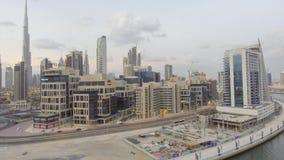 DUBAI UAE - DECEMBER 11, 2016: Flyg- horisont för stad på solnedgången D Fotografering för Bildbyråer