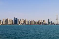 Dubai UAE Den Dubai marina är ett berömd trendig område och marina Arkivbild
