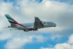 DUBAI, UAE - EM DEZEMBRO DE 2016: Airbus A380 Fotografia de Stock
