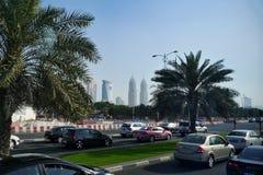 DUBAI - UAE - FEBRUARI, 2013: Sikt på moderna Dubai royaltyfri foto