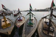DUBAI, UAE - 18. JANUAR 2017: Piers des traditionellen Wassertaxis Stockbild