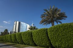 DUBAI UAE - januari 05,2018: Det Jumeirah strandhotellet, i Jumei Arkivfoton