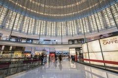 DUBAI UAE - januari 06,2018: inom den Dubai gallerian Dubaien M Royaltyfri Bild