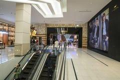 DUBAI UAE - januari 06,2018: inom den Dubai gallerian Dubaien M Royaltyfria Foton