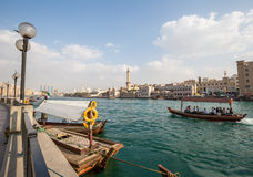 DUBAI, UAE-JANUARY 18: Traditional Abra ferries on January 18, 2 Royalty Free Stock Photography